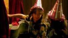 Holly McNarland 'Elmo' music video