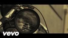 EL B 'Sigo Pensando' music video