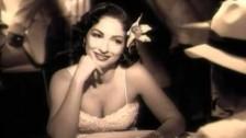 Gloria Estefan 'Con Los Anos Que Me Quedan' music video