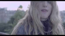 León Larregui 'Como Tú (Magic Music Box)' music video