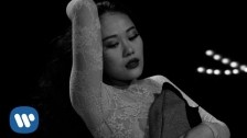 Tia Ray 'Amor' music video