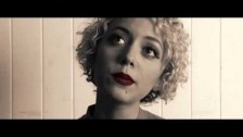 Sahara Beck 'Here It Comes' music video