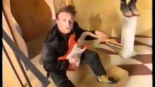 Squeeze 'Hourglass' music video