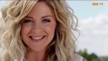Gina 'Frühstück auf dem Dach' music video