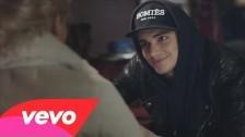 Anton Ewald 'Close Up' music video