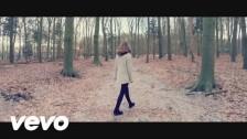 Maaike Ouboter 'Smoor' music video
