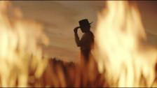 Lexie Liu 'ALGTR' music video