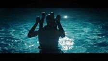 Emma Gatsby '2 Steps' music video