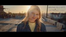 Brynn Elliott 'Internet You' music video