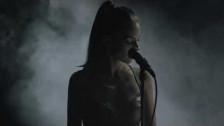 Gioli & Assia 'Rollercoaster' music video
