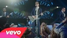 Nickelback 'She Keeps Me Up' music video