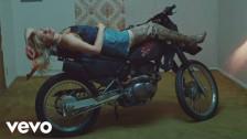 Lolo Zouaï 'Ride' music video