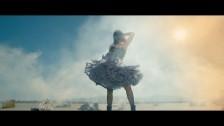 Carolina Webb 'Overdose' music video