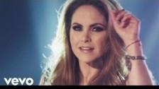 Lucero 'Ni Un Roce' music video