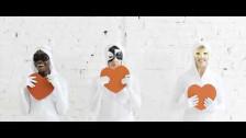 Sisters 'Scene Here' music video