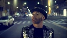 Mario Venuti 'Caduto dalle stelle' music video