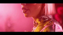 Ruby Grace 'Lipgloss' music video