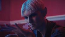 Gus Dapperton 'Coax & Botany' music video