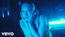 Astrid S 'Marilyn Monroe' music video