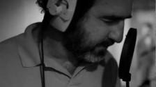 Rachid Taha 'Voilà, voilà, qu'ça r'commence' music video