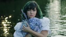 Phoebe Ryan 'Ring' music video