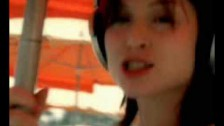 Sophie Ellis-Bextor 'Music Gets The Best Of Me' music video