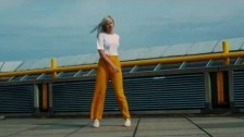 Amber Arcades 'Turning Light' music video