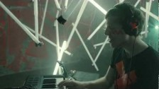 Robert DeLong 'Global Concepts' music video