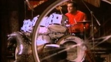 Simple Minds 'Don't You (Forget About Me)' music video