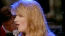Trisha Yearwood 'The Song Remembers When' music video
