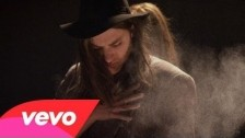 Jamie N Commons 'Rumble And Sway' music video