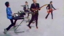 Elvis Costello & The Attractions 'Pump It Up' music video