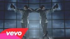 Chris Brown 'She Ain't You' music video