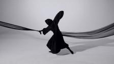 Doe Paoro 'Walking Backwards' music video