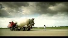 Caparezza 'Eroe (Storia di Luigi delle Bicocche)' music video