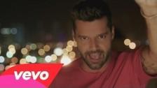 Ricky Martin 'La Mordidita' music video