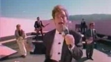 Huey Lewis 'Perfect World' music video