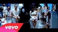 Senadee 'Robot Love' music video