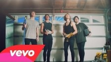 5 Seconds Of Summer 'She's Kinda Hot' music video