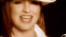 Gloria Estefan 'No Llores' music video