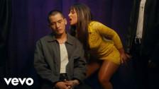 Nathy Peluso 'Mafiosa' music video
