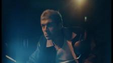 Omar Apollo 'Kamikaze' music video