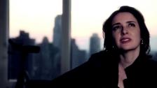 Kay Lyra 'Chaplin sem Cor' music video