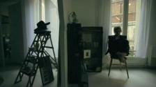 Mélanie Laurent 'En t'attendant' music video