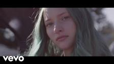 Au/Ra 'Outsiders' music video
