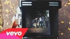 Kaiser Chiefs 'Falling Awake' music video