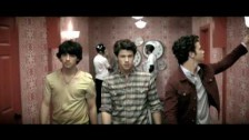 Jonas Brothers 'Paranoid' music video