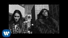 Niia 'Sideline' music video