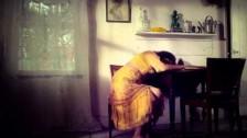 Sarah Fimm 'Yellow' music video