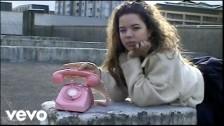 Nilüfer Yanya 'Golden Cage' music video